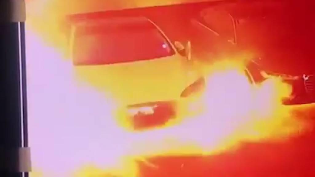 Tesla explodiert in Tiefgarage