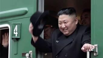 Kim Jong Un steigt in Wladiwostok aus seinem gepanzerten Zug. Keystone