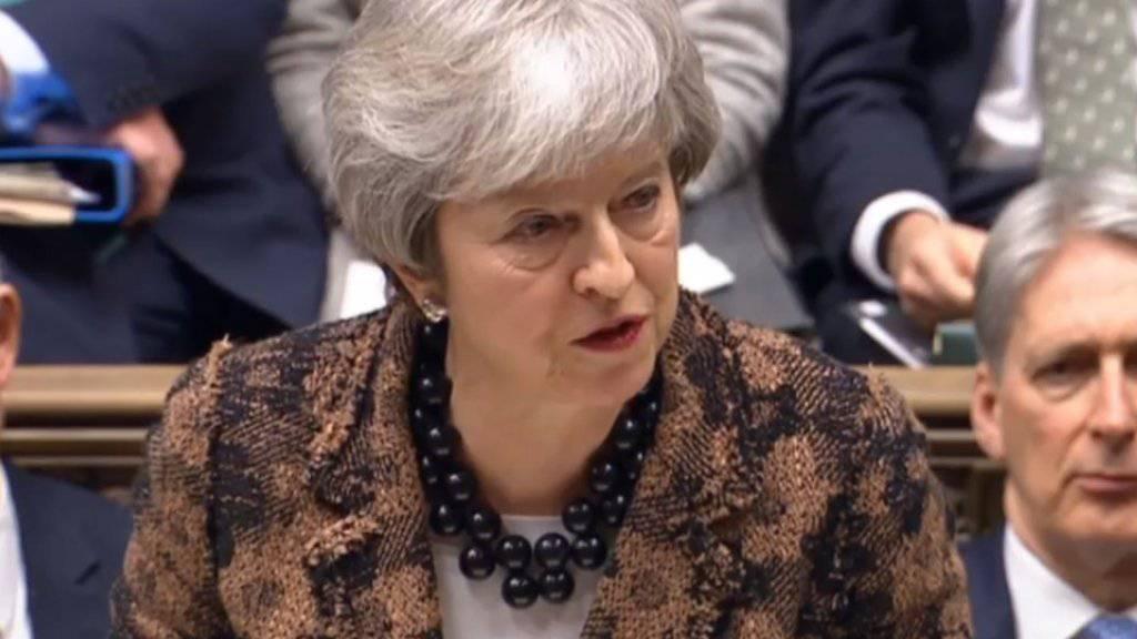 Die britische Premierministerin Theresa May hat am Montag in London das Parlament über ihren Plan B informiert.