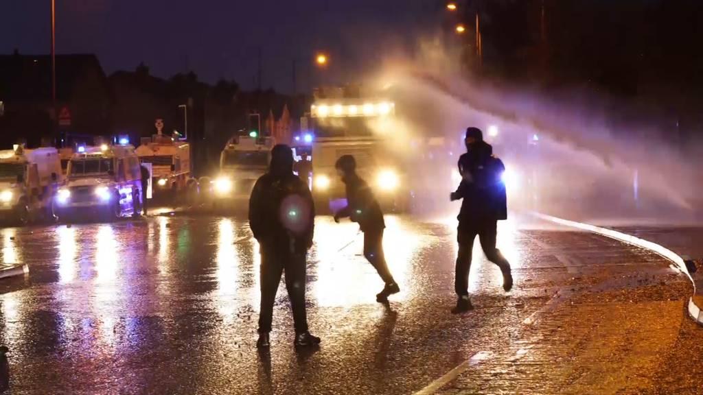 Nordirland: Krawalle dauern an