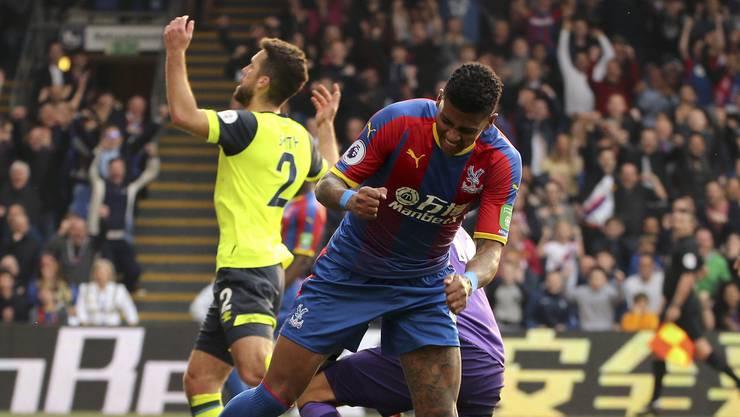 Patrick van Aanholt schiesst in der 88. Minute das 2:0 für Crystal Palace
