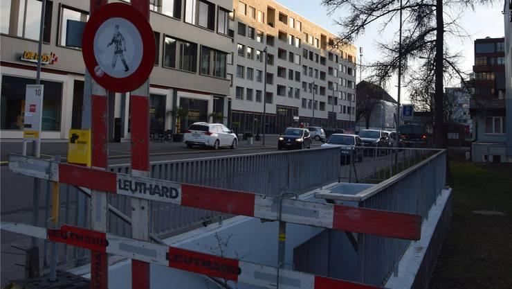 Die frühere Bahnunterführung West in Schlieren: Hier an der Güterstrasse wollte die Stadt eine Sammelstelle erstellen – die Gerichte sprachen sich dagegen aus und hoben die erteilte Baubewilligung wieder auf.