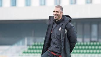 Fabio Celestini strahlt als neuer Trainer des FC Luzern.