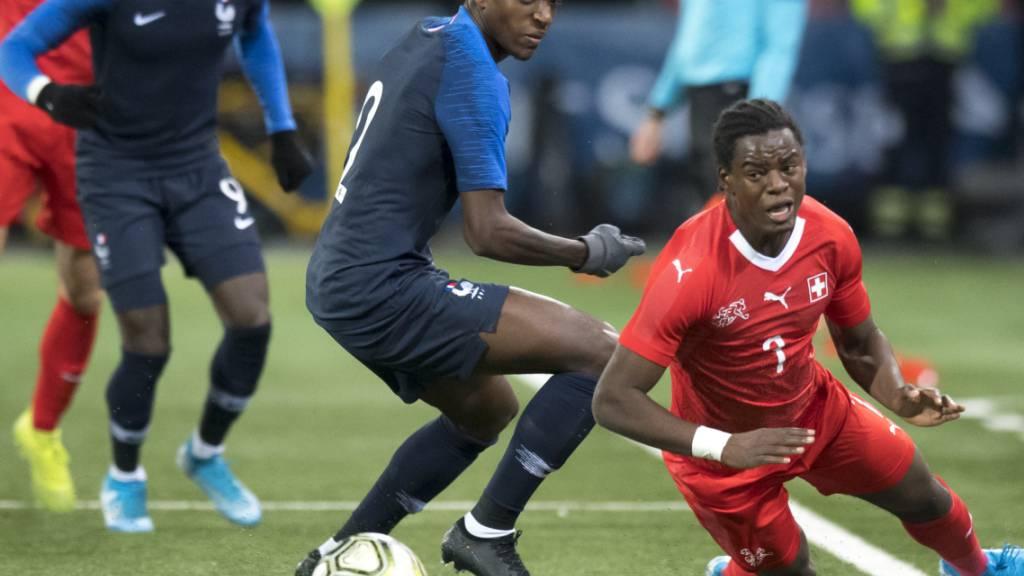 Andy Pelmard im Einsatz für Frankreichs U21-Nationalteam vor knapp zwei Jahren gegen den Schweizer Jordan Lotomba