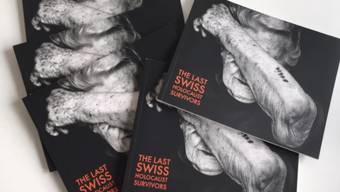 In Schanghai werden derzeit die Schicksale von Schweizer Holocaust-Überlebenden mit grossformatigen Portraits sowie Videos gezeigt.