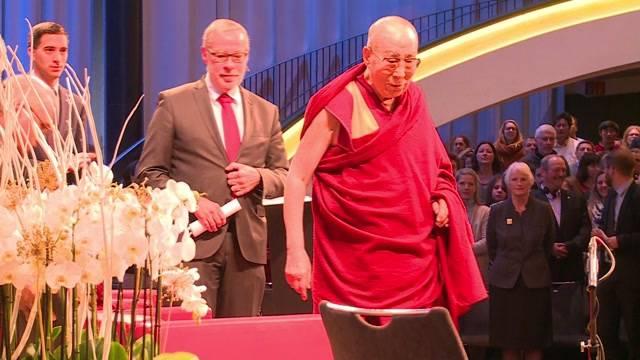 Riesiges Interesse am Vortrag von Dalai Lama