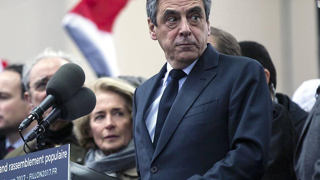 Wahlkampf trotz immer neuen Vorwürfen: Der französische Präsidentschaftskandidat François Fillon. (Archiv)