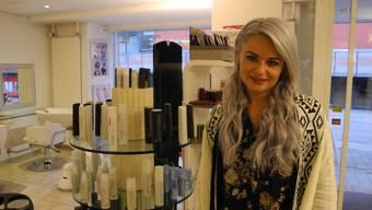 Laura Tschaggelar nach den Dreharbeiten von «der Bachelor» wieder zu Hause in ihrem Salon in Grenchen