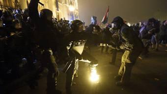 In der ungarischen Hauptstadt Budapest ist es am Freitag erneut zu gewaltsamen Protesten gekommen. (Archivbild)
