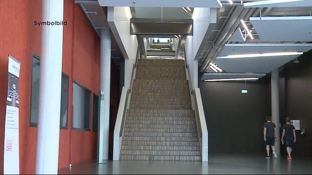 Student stirbt nach Treppensturz