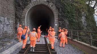 Auf diversen Abschnitten des SBB-Schienennetzes wird in diesem Sommer kräftig gebaut. Linus Looser, Leiter Verkehrsmanagement SBB Personenverkehr, erklärt welche Auswirkungen die Bauarbeiten auf Bahnreisende haben werden.