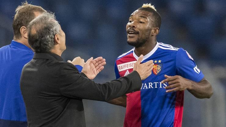 Sofortige Vertragsauflösung: Serey Die (r.) verlässt das Team von Marcel Koller (l.).