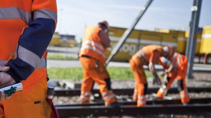 Bauarbeiten führen in den nächsten Tagen zu Verspätungen im Bahnverkehr (Symbolbild).