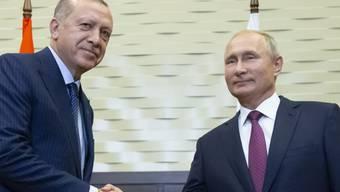 Wladimir Putin (r.) und Recep Tayyip bei ihrem Treffen am Montag.