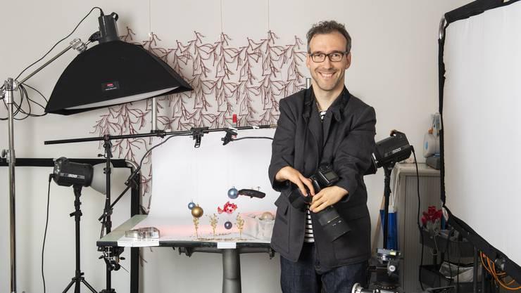 Der Ennetbadener Nicolas Petit ist trotz Behinderung an seinen Armen ein erfolgreicher Fotograf.