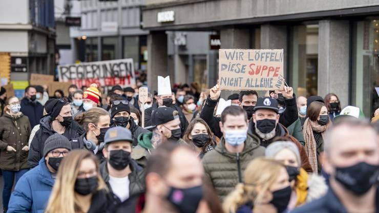 Luzerner Gastronomen demonstrieren im Dezember gegen die Schliessung der Restaurants.