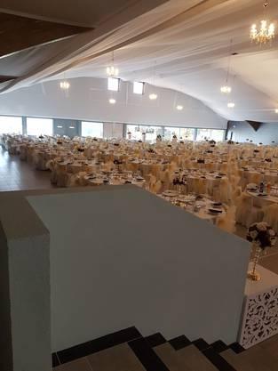 Jetzt werden in der Halle vor allem Hochzeiten gefeiert.
