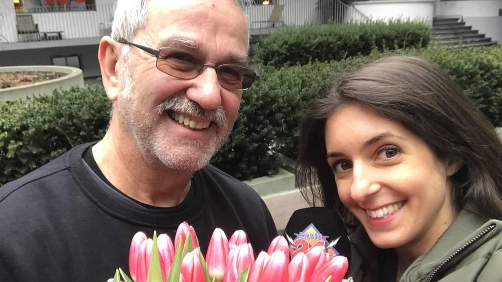 Ufem Bänkli mit dem Blumenverkäufer Fritz Schneiter