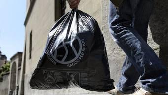 Bei der Recycling-Stelle wurde illegal Abfall deponiert. (Symbolbild)