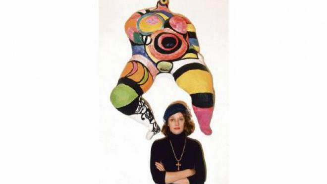 Privat verliess sie ihre zwei Kinder für die Kunst. Doch mit ihren Skulpturen schuf Niki  de Saint Phalle in ihrer Kunst wiederholt Mutterfiguren. Foto: Gamma-Keystone via Getty Images