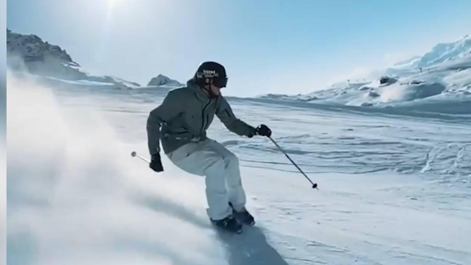 Freestyle-Skifahrer Andri Ragettli ist bekannt für ausgefallene Aktion auf und neben der Piste.