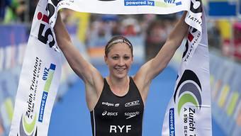 Daniela Ryf sichert sich WM-Titel über halbe Ironman-Distanz