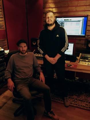 """Benjamin Bisatz """"Benjo"""" (links), Produzent von Robin Lüscher (rechts)."""