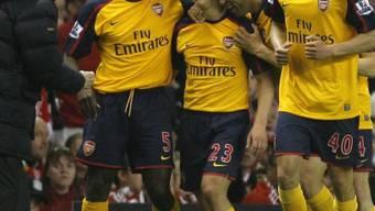 Arsenals Andrej Arschawin (mitte) traf gleich dreimal