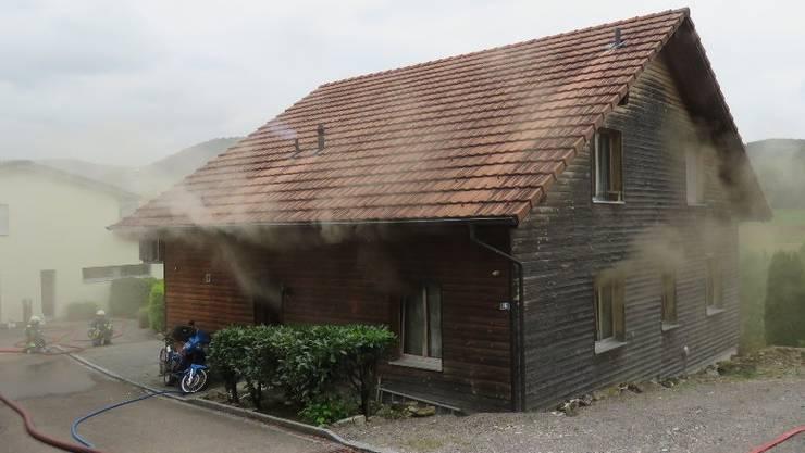 Brand in einem Wohnhaus in Wöflinswil