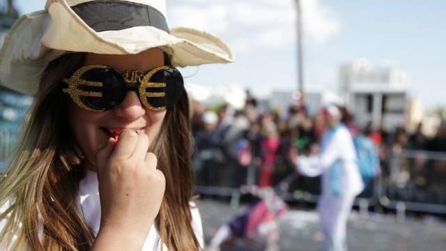 Da feierten sie noch: Karnevalszene aus der zypriotischen Hafenstadt Limassol. Foto: AFP
