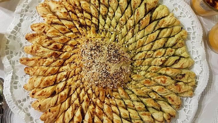 Sonnenblume - aus Apéro-Gebäck