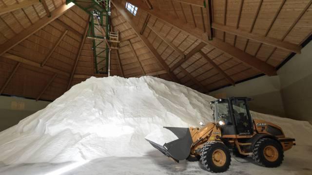 In den Schweizer Salinen gibt es genug Salz. (Archivbild)