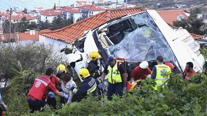 Bus mit deutschen Touristen auf Madeira verunfallt – 29 Menschen sterben