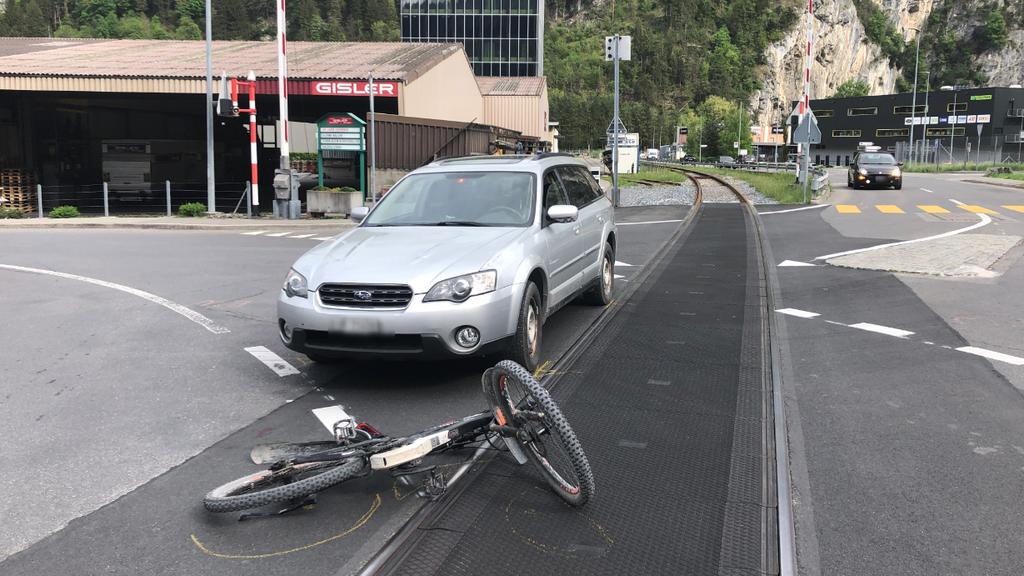 In Schattdorf kollidierte ein Auto mit einem E-Bike