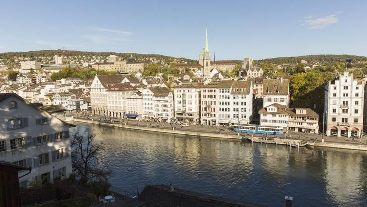 Blick vom Lindenhof auf die Zürcher Altstadt. (Symbolbild)