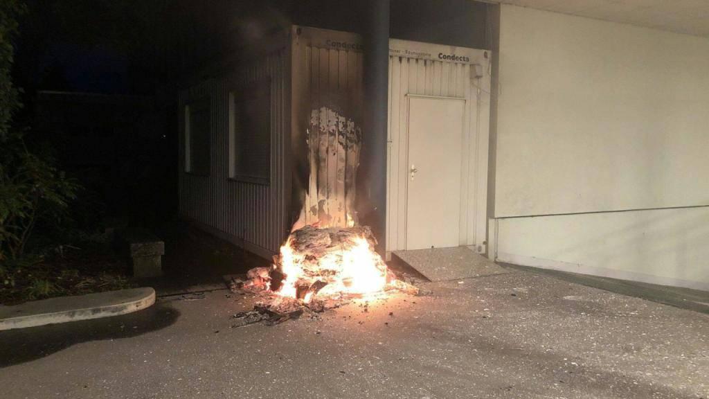 Erheblicher Sachschaden bei Brand an Baucontainer