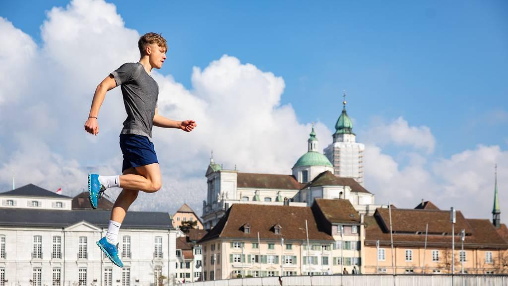 Ein 15-Jähriger joggt für seine Abschlussarbeit von Solothurn nach Zermatt