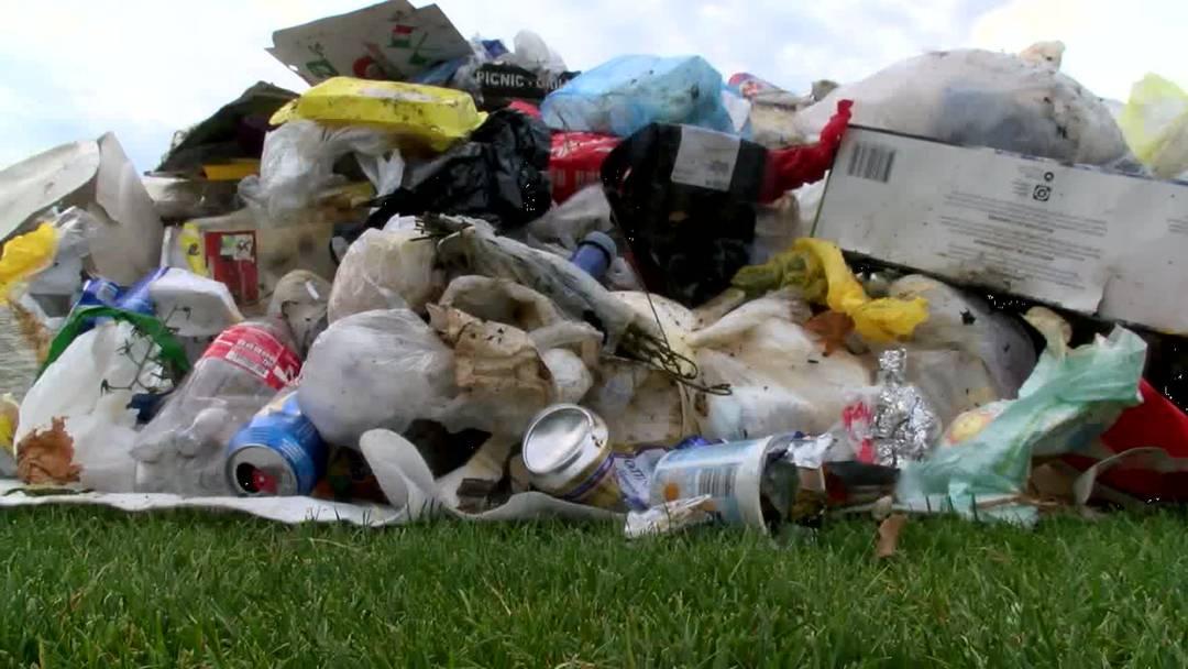 In Parks staut sich der Müll