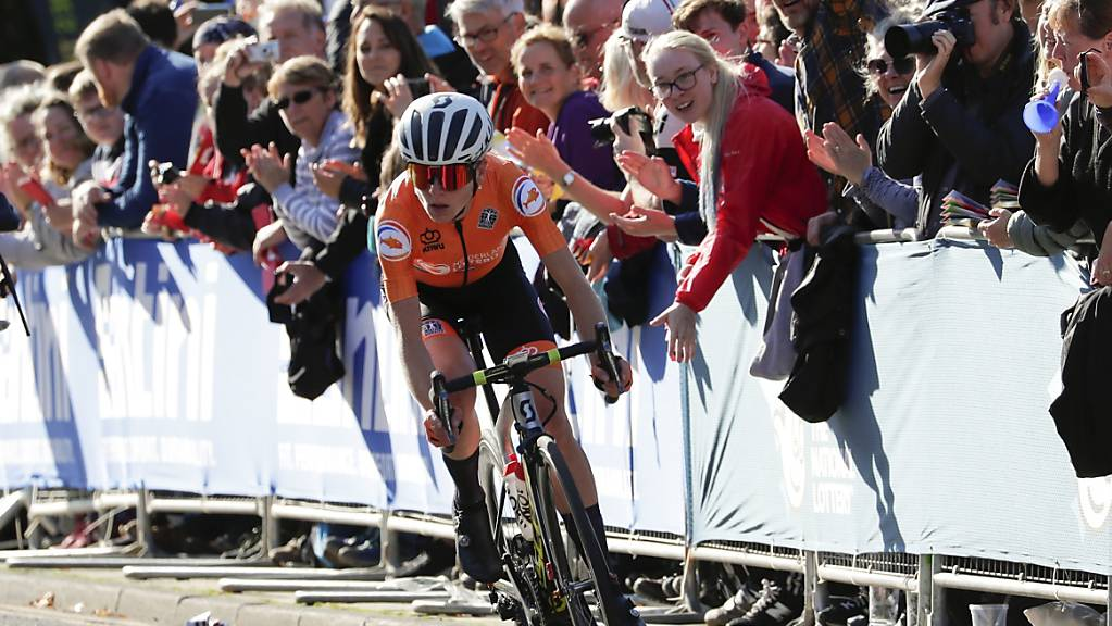 Holt nach einer 100 km langen Solofahrt WM-Gold im Strassenrennen: Die Niederländerin Annemiek van Vleuten