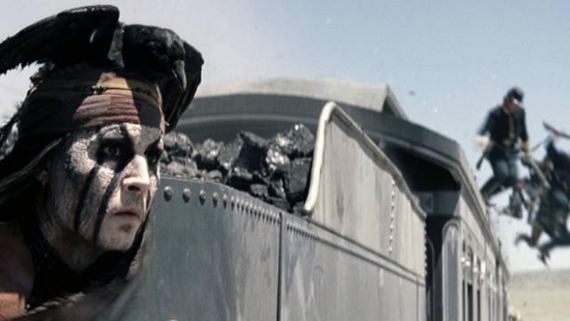 """Johnny Depp als Indianer in seinem Film """"The Lone Ranger"""" (Archiv)"""