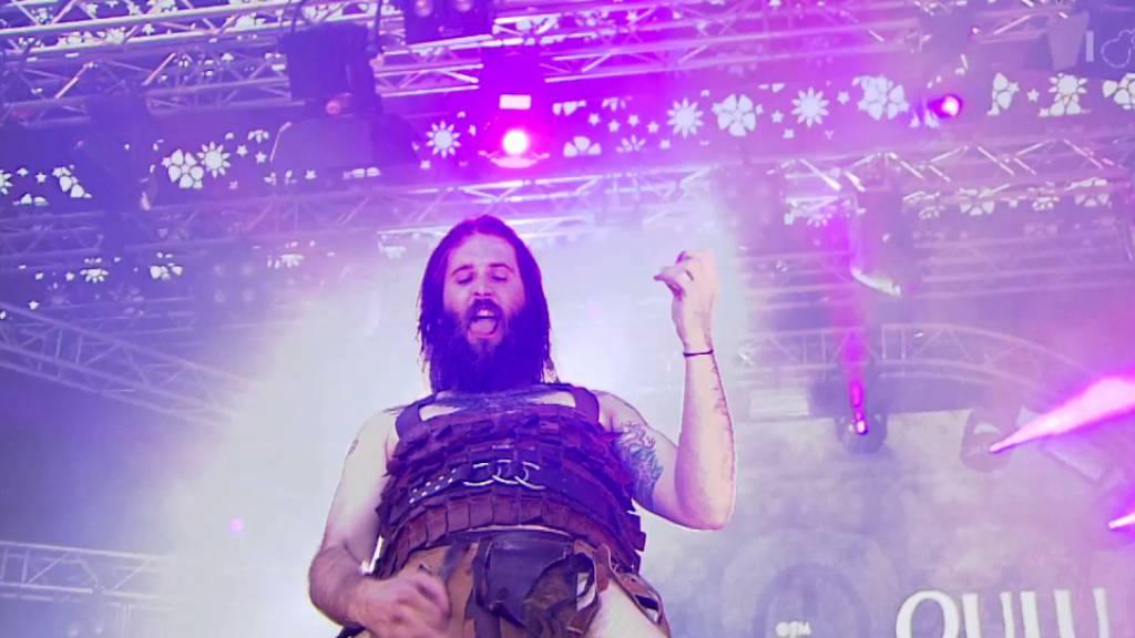 Justin «Nordic Thunder» Howard ist Champion der Luftgitarrenspieler