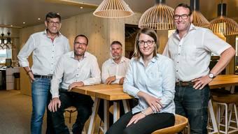 Die Geschäftsleitung (v. l.): Beat Peterhans, Reto Attiger, Daniel Keller, Bettina Peterhans und Michael Peterhans.