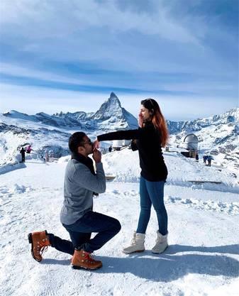 Heiratsantrag vor dem Matterhorn (im stilechten Schuhwerk). Das rührt die Malaysierin Sangetha.