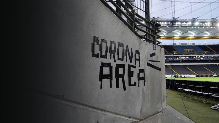 Zurzeit gibt es keinen Fussball aufgrund des Coronavirus. Für jeden Fussballer kaum zu ertragen.