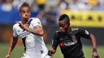 Rolf Feltscher (links) steht LA Galaxy rund vier Monate nicht zur Verfügung