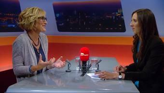 Susanne Hochuli im TV-Interview, wo sie sich zur Wahl äusserte. Rechts Moderatorin Anne-Käthi Kremer.