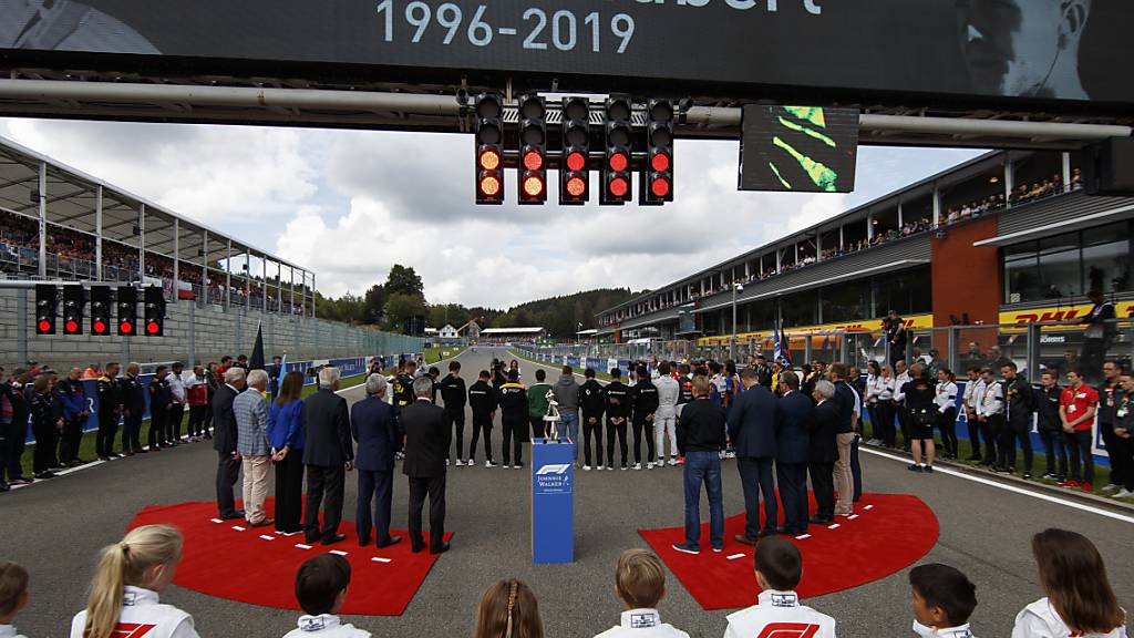 Gedenkminute für Anthoine Hubert am Grand Prix in Spa-Francorchamps