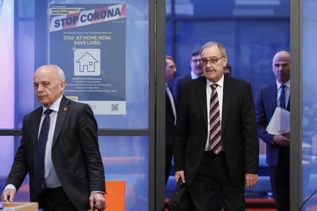 Die beiden SVP-Bundesräte Ueli Maurer (l.) und Guy Parmelin sind gegen Nothilfe zugunsten der Medienbranche.