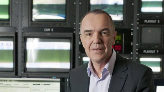 Markus Gilli hinter den Kulissen des Tele-Züri-Studios. Foto: Alex Spichale