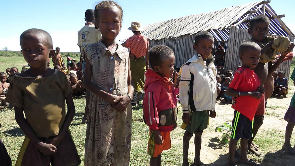 Mangelernährte Kinder in der Gemeinde Shanamaro im Süden von Madagaskar.